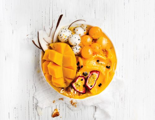 coyo_coconut-milk-yoghurt_mango-pass-smoothie-bowl_half-column